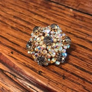 VTG rhinestone brooch with smoky grey & AB stones